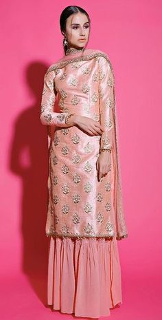 Pakistani Fashion Casual, Pakistani Outfits, Indian Fashion, Dress Indian Style, Indian Dresses, Indian Wedding Outfits, Indian Outfits, Indian Attire, Indian Wear
