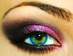Does not removing your eye makeup at night really cause wrinkles? Check out what the experts say.
