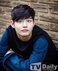 MBC's Hospital Ship gets another doctor in Lee Seo-won Park Hae Jin, Park Seo Joon, Lee Hyun Woo, Lee Jong Suk, Korean Male Actors, Asian Actors, Lovely Love Lie, Crude Play, Lee Won Geun