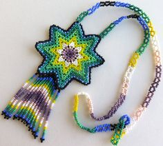 Mexican Huichol Beaded Green and White Star Necklace por Aramara Peach Necklace, Star Necklace, Flower Necklace, Blue Beads, Bead Art, Bead Weaving, Beaded Jewelry, Beaded Necklaces, Blue Flowers