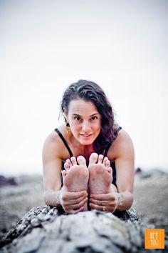 Pascimottanasa portrait with Rachel Zinman.  Yoga photography by Nora Wendel from HEY YOGI.  Plettenberg Bay, South Africa, 2015