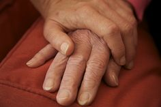 10 Early Signs of Parkinson's Disease That Doctors Often Miss