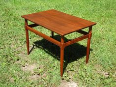 Vintage Mid Century Modern Figured Walnut Occasional Entry Table Widdicomb Era #MidCenturyModern Mid Century Modern Furniture, Midcentury Modern, Table, Vintage, Home Decor, Decoration Home, Room Decor, Tables, Vintage Comics