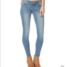 Aeropostale Jeans Comfy, blue, jegging jeans. No trade. Size 8😊 Aeropostale Jeans Skinny