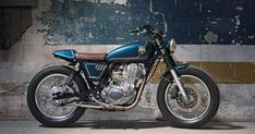 War-themed bikes usually go one of two ways. They're either vulgar, Mad Max-style affairs, or swathed in olive drab. But not this elegant SR400 from Bunker.