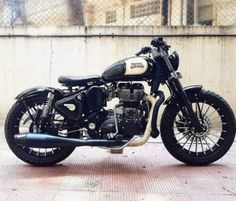 Royal Enfield Classic 350 'Brat Bobber' by Customs – About Cafe Racers Royal Enfield Bullet, Royal Enfield Logo, Royal Enfield Classic 350cc, Enfield Motorcycle, Enfield Bike, Futuristic Motorcycle, Motorcycle Style, Women Motorcycle, Motorcycle Helmets
