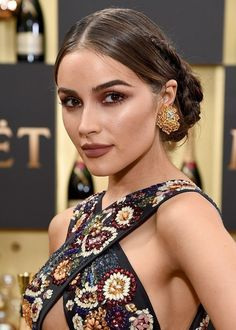 See all the best beauty looks from the 2017 Golden Globes red carpet, including Michelle Williams, Priyanka Chopra, Olivia Culpo, and Lily Collins. Olivia Culpo, Wedding Makeup Tips, Wedding Makeup Looks, Bridal Makeup, Make Up Looks, Red Carpet Makeup, Celebrity Makeup Looks, Braut Make-up, Pretty Makeup