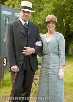 Downton Abbey Stars On-Screen Vs. Off-Screen - PAPER