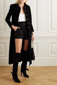 Sac Saint Laurent, Saint Laurent Dress, Black Coat Outfit, Alexander Mcqueen, Podium, Black Pipe, Twill Shirt, Cotton Velvet, Short