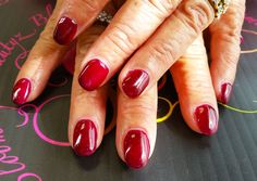 Natural nail gel overlay  Nails by Zenia @bloomingbeautyz http://www.bloomingbeautyz.com