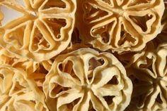 Cake Recipes, Snack Recipes, Snacks, Rosette Cookies, Almond Cookies, Biscuit Cookies, Street Food, Biscuits, Stuffed Mushrooms