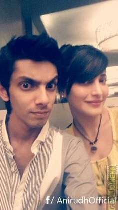 Anirudh Ravichander Photos - Anirudh Selfie With Shruti Music Love, Music Is Life, Girly Facts, Today Images, Shruti Hassan, Love U Forever, India People, Famous Singers, Celebs