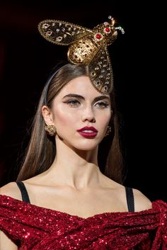 Dolce & Gabbana Milano - Collections Fall Winter 2019-20 - Details - Shows - Vogue.it