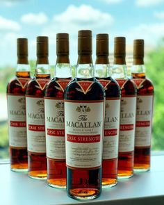 Cigar Shops, Cigar Bar, Cigars And Whiskey, Best Chef, Scotch Whisky, Liquor, Alcohol, Queso, Luxury Watches