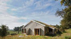 In Wageningen is een energieneutrale woning opgeleverd. Het pand stamt uit de jaren vijftig en is door Origins Architecten gerenoveerd.
