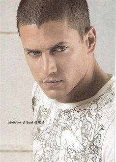 When its time for the fifty shades movie ya'll keep Wentworth Miller in mind. Fifty Shades Movie, Fifty Shades Of Grey, 50 Shades, Gorgeous Men, Beautiful People, Wentworth Miller Prison Break, Leonard Snart, Michael Scofield, Black Dagger Brotherhood