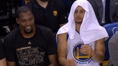 dance dancing friends nba warriors golden state warriors stephen curry steph curry bench kevin durant having fun kd durant gs warriors bench dance #gif from #giphy
