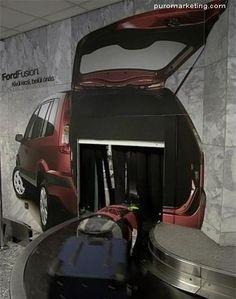 Un marketing de guerrilla en el aeropuerto. Una campaña para promover una van con amplio espacio para su familia y equipaje.