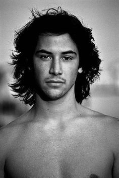 Keanu Reeves in the When Reeves first arrived in Hollywood, his agent thought his first name was too exotic, so during the early days… Gorgeous Men, Beautiful People, Most Beautiful Man, Retro Pictures, Retro Pics, Actrices Sexy, Keanu Charles Reeves, Photo Portrait, Good Looking Men