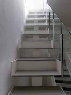 Creative and Modern Staircase Designs (15) 1