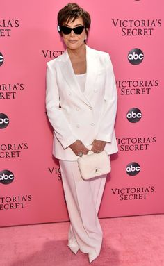 Kris Jenner Breaks Down What Her Kardashian Daughters Charge for Sponsored Social Media Posts Rita Moreno, Familia Jenner, Kim Kardashian, Kris Jenner Style, Victoria's Secret, Jenner Sisters, Professional Outfits, Business Professional, Costume