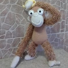 Oscar the Orangutan made by Emilia C. from Romania. Thanks for the great photos!