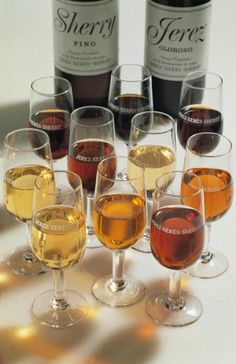 Ideal conditions from Andalucia for a good Spanish wine. Spanish Wine, Specialty Foods, Liquid Gold, Andalucia, Wine Recipes, Alcoholic Drinks, Conditioner, Wine, Wine Cellars