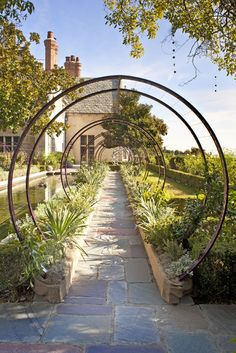 Wonderful Garden Arch Ideas Garden Arches – A Must Have Feature For Any Garden Design Wonderful Garden Arch Ideas. It is sometimes said that every garden should have an archway. Garden Arbor, Garden Paths, Metal Garden Trellis, Garden Villa, Diy Garden, Wooden Garden, Summer Garden, Spring Summer, Garden Arches