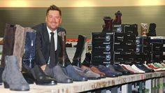 Kay Zimmer, Gründer und Geschäftsführer von schuhplus - Schuhe in Übergrößen. Zimmer gründete im Jahr 2004 das Unternehmen. Nach nur einem Jahrzehnt schauen er und sein Team auf eine bemerkenswerte Erfolgsgeschichte. Mehr unter https://www.schuhplus.com