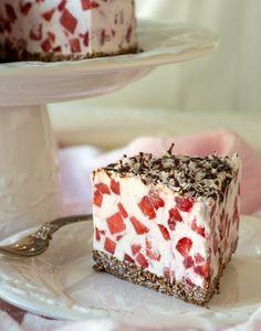 """Raw Strawberry Chocolate """"Cheesecake"""""""