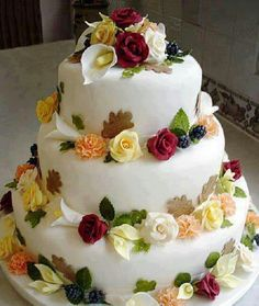 I have been designing and producing high quality wedding and celebration cakes for over 30 years after undergoing an apprenticeship and training in a high class confectionery business. Beautiful Wedding Cakes, Beautiful Cakes, Amazing Cakes, Happy Birthday Wishes Cake, Happy Birthday Cake Images, Cake Roses, Rose Cake, Bolo Floral, Floral Cake