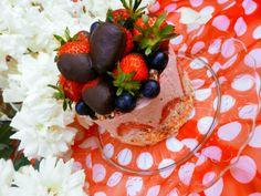 Strawberry cakes  http://recepty.rawforum.sk/?p=143