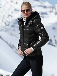 Moncler - Bady Parka www.be warm winter, we need warm coat ,so mordern down coat, my best loved moncler. Snow Fashion, Fall Fashion Outfits, Winter Outfits, Winter Fashion, Fashion Trends, Winter Stil, Fall Winter, Look Chic, New York Fashion