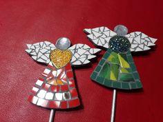 Christmas Mosaics, Christmas Angel Ornaments, Tile Art, Mosaic Art, New Year's Crafts, Diy Crafts, Mosaic Madness, Intarsia Woodworking, Mosaic Projects