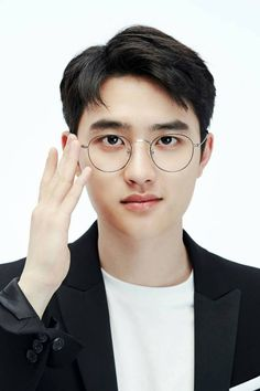 Find images and videos about kpop, exo and korean on We Heart It - the app to get lost in what you love. Kpop Exo, Exo Ot12, Kaisoo, Chanbaek, Kyungsoo, Foto Do Exo, Exo Fanart, K Pop, Exo Lockscreen