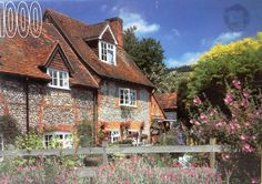 Roseart 1000 Piece Jigsaw Puzzle Turnville Bucks England by Rose Art Industries Inc., http://www.amazon.com/dp/B00EX8TEOS/ref=cm_sw_r_pi_dp_2RKosb07C0MZ4
