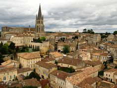 St. Emilion - This town, surrounded by vineyards, offers wine, in addition to superb Medieval structures connected by charming narrow streets.