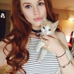 Image about cat in Favorite Redheads by Serena Nicole Madelaine Petsch, Cheryl Blossom Riverdale, Riverdale Cheryl, Tumblr Photoshoot, Beautiful Redhead, Celebs, Celebrities, Short Hairstyles For Women, Poses