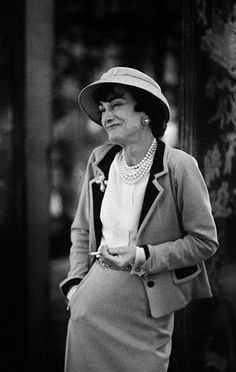 Gabrielle 'Coco' Chanel (74) - 1957 - Outside the Chanel boutique at 31, rue Cambon in Paris - Photo by Mark Shaw - LIFE Magazine