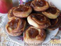 Фото к рецепту: Булочки с яблочным повидлом и корицей