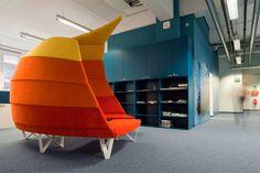 WirtschaftBlatt Newsroom by IDFL chair, color, seat, offices, offic meet, office buildings, meet space, wirtschaftsblatt newsroom, newspaper