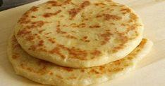 Классный рецепт - Лепешки на сковороде «А-ля хачапури»! Пышные, румяные лепешки так и просятся в рот. Вкусный завтрак или ужин из теста без дрожжей с сырной начинкой или с зеленью.