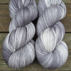 Blarney Stone - Yowza - Babette Size: 560 yd / 8 oz (512m / 227g) skeins Content: 100% superwash Merino wool Gauge: Light worsted weight. 4.5-5.5 stitches per inch on US 6-8. Care Instructions: Machine wash gentle. This yarn should be dried flat for best results.