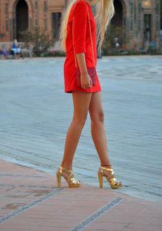 #gold #color #purse #heals #bold