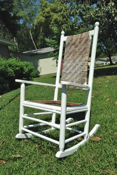 We Can Make Anything: rocking chair redo Rocking Chair Redo, Rocking Chair Cushions, Outdoor Rocking Chairs, Diy Furniture Projects, Repurposed Furniture, Vintage Furniture, Garden Projects, Cheap Furniture Stores, Luxury Furniture Brands