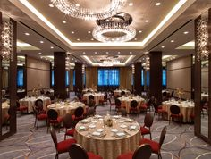 Fortnight Ballroom with rounds at The Joule