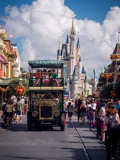 https://flic.kr/p/g7a3w2 | Magic Kingdom - Omnibus | After Adam posted his awesome shot from aboard the Omnibus, lots of folks were asking where he got the shot from, so here you all go. Gotta get there early to ride it, though. Thanks for looking! www.DisneyPhotographyBlog.com | www.howtophotographfireworks.com | www.DisneyPhotoApp.com | www.ISO5571.com