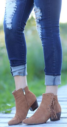 The PERFECT booties for fall! Not only are they super comfortable, they have…