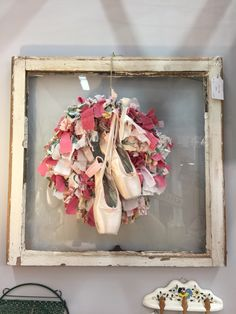 Cute wreath display idea for ballet shoes ❤️ By Triftologie
