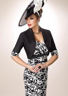 ZEILA DONNA 9202  Vestido de fiesta corto en chiffón estampado, con detalles en cristal y chaqueta en shantung